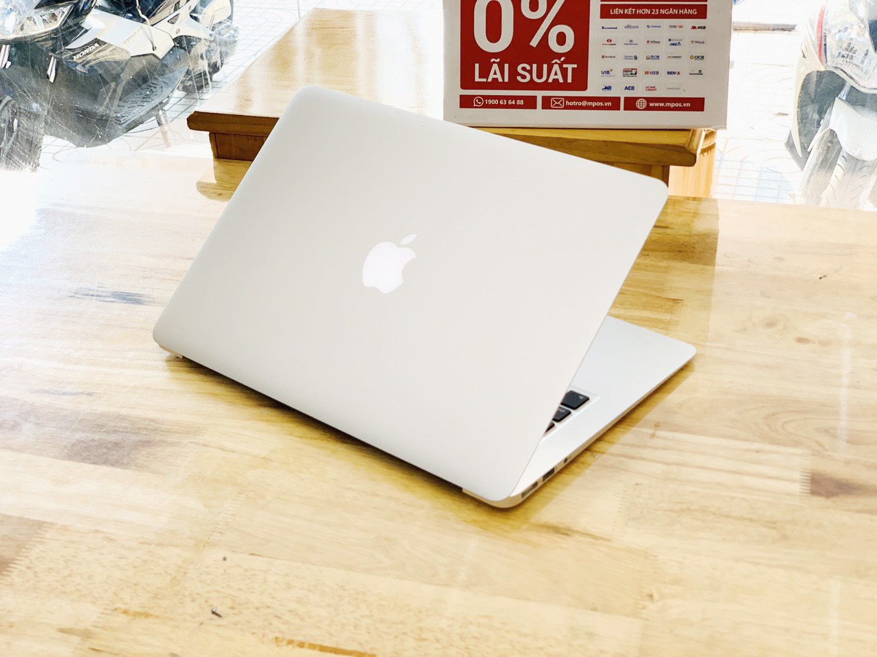 Macbook Air 13-inch Early 2014 i7