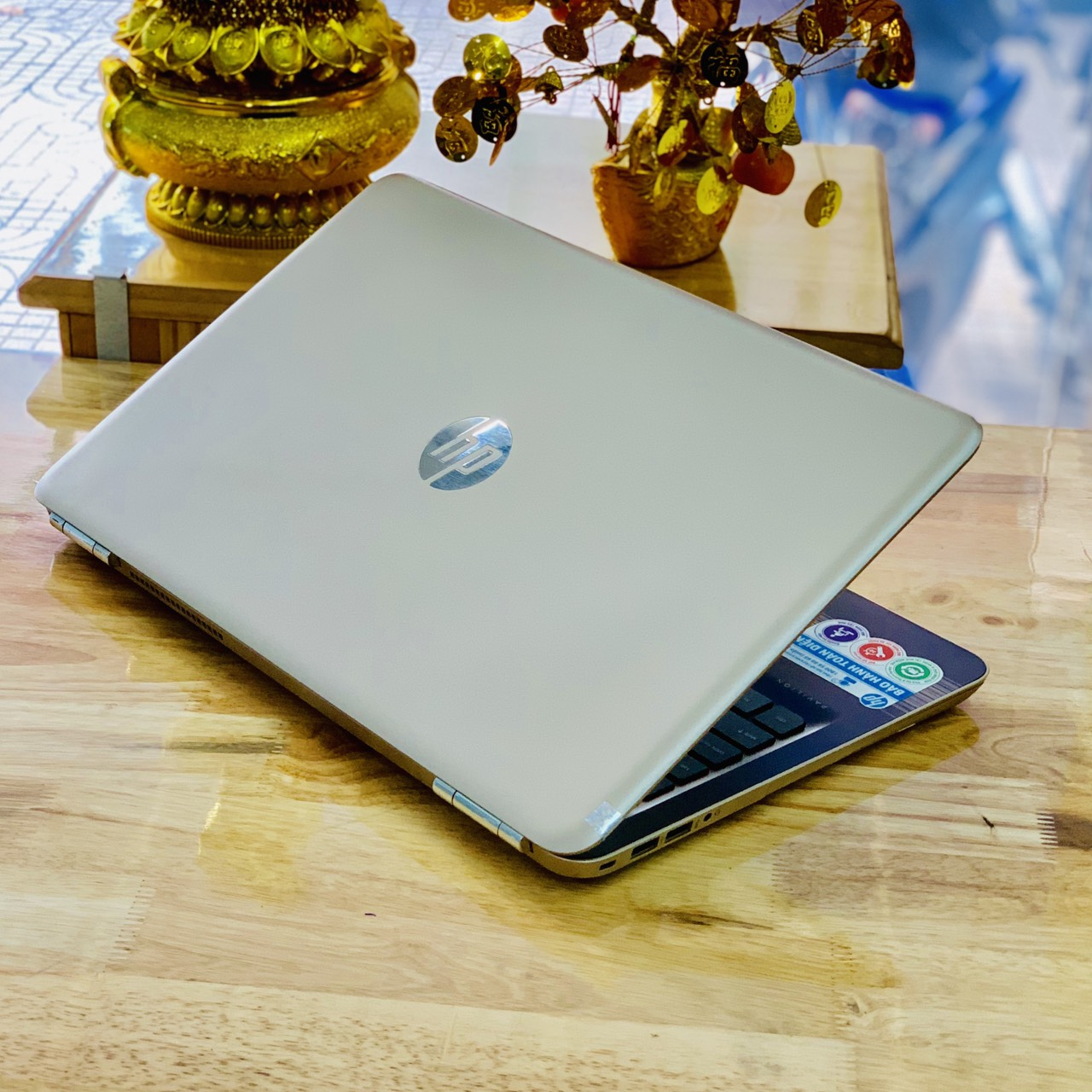 Laptop HP Palivion 15-au120TX i5-7200U Ram 4GB HDD 500GB Vga Rời 940MX(2GB) 15.6 inch Like New