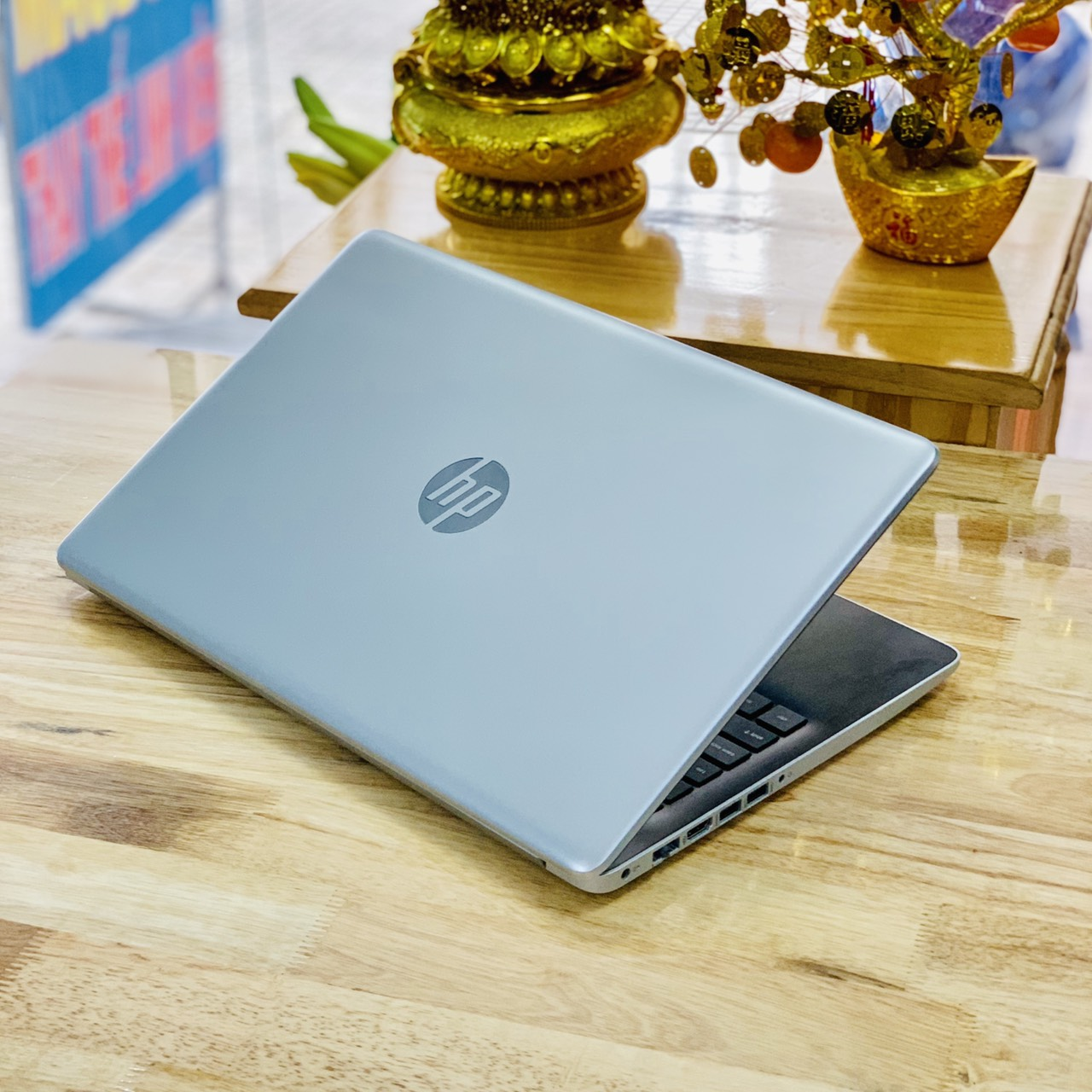 Laptop HP 15-da1031TX i5-8265U Ram 4GB HDD 1000GB Vga NVIDIA MX110(2GB) 15.6 icnh Like New BH Hãng Tới 2020